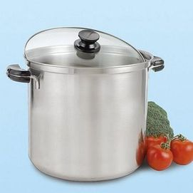 Lagostina® 26cm Boiling Pot with Cover (12 L) - Something my Dad would love to have!