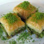 Baklava nasıl yapılır? Baklava yapmak ustalık isteyen bir tatlıdır. Geleneksel türk tatlıları içerisinde en görkemli ve en lezzetli olanıdır.