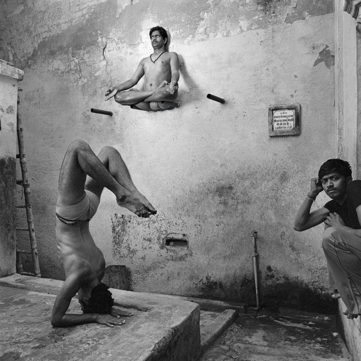 Schwebender Lotussitz: Den scheinbar an der Wand klebenden Yogi fand O'Neill in...