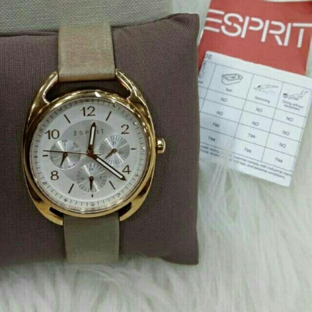 Saya menjual Jam Tangan Wanitq Esprit ES108172003 Rosegold Leather Original Murah seharga Rp1.450.000. Dapatkan produk ini hanya di Shopee! https://shopee.co.id/azshop30/216438709 #ShopeeID