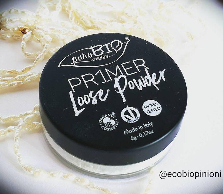 Primer in polvere @purobio_cosmetics Composta da mica polvere di riso amido di mais silica e tocoferolo l'ho trovata perfetta per fissare il #rossetto  ma anche come ultimo #step per il correttore occhi. Favolosa applicata con il pennello 8 sempre #purobiocosmetics  #makeuplover #primers #bio #biomakeup #beauty #settingpowder #cute #lipstick #picoftheday #bblogger #ibblogger #greenblogger #mineralpowder