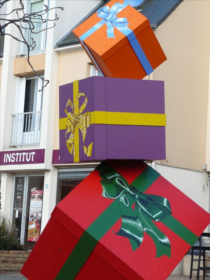 Arts dans la rue Sculpture de 4,50 mètres de haut. Fait pour les fêtes de Noël 2015.    d'Olivier Defay