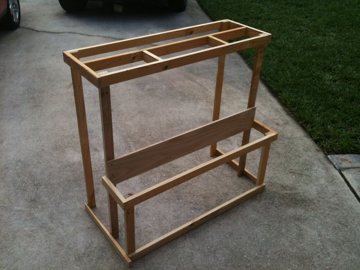 Wood bin/organizer from Pallet wood - we made this and have it in the garage, it works great! Recycled Pallets, Wooden Pallets, Pallet Wood, Pallet Patio, Woodworking Bench, Woodworking Projects, Woodworking Classes, Popular Woodworking, Woodworking