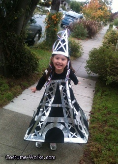 Eiffel Tower - creative Halloween costume