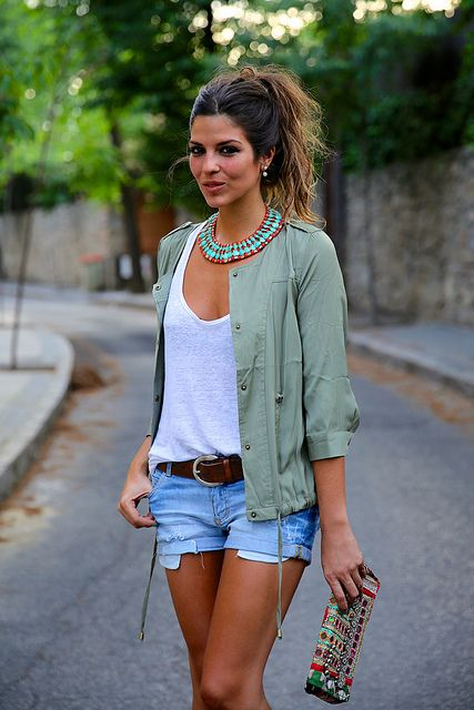 I love her whole outfit! Sexy, yet casual... Women's fall fashion clothing street style outfit