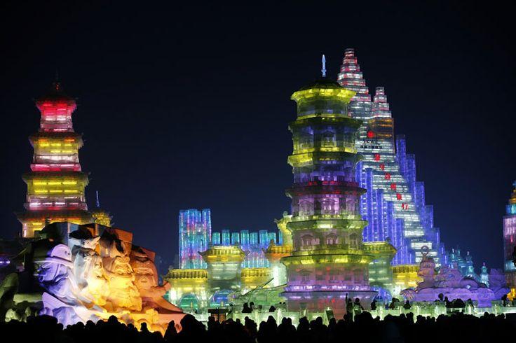 Foto delle sculture di ghiaccio all'Harbin Ice Festival n.29