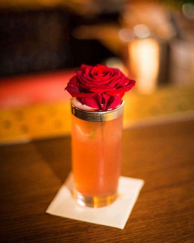 Soiree sippers at @koksandtales (4/7): the Not So Modest Man.  30ml berry genever t Stookkot 20ml Bombay London Dry gin 20ml lime juice 10ml cherry syrup 10ml Fentimans Rose Lemonade  #cocktail #cocktails #bartender #bartenders #bartending #drinkoftheday #instadrink #drinkstagram #imbibe #imbibegram #koksandtales #hasselt #belgium #ilovebelgium #notsomodestman #genever #gin #ginstagram #fentimans #hospitality #tipple #sipper #craftcocktails #cocktailoclock
