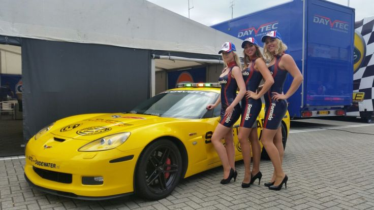 Promodames TT Assen! #Gridgirls #Vip-Promo #Syntix #Formido #Supercar Challenge #Promotie dames #Latex promo