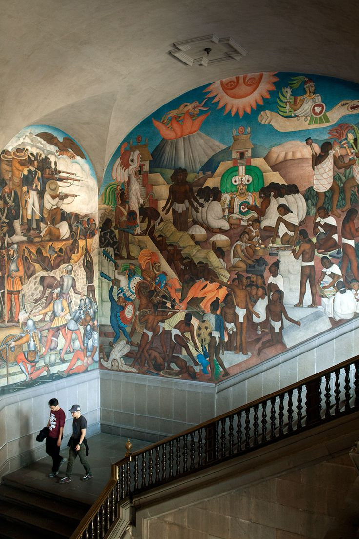It took Diego Rivera more than two decades to complete the murals in the Palacio Nacional, spanning 2000 yrs. of Mexican history.