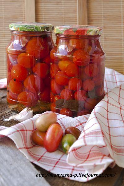 Почти две недели назад моя тетя вручила мне целое ведро помидор черри. Они были такие спелые, что лопались в руках. Сладкие, ароматные, но кожица толстая. Как раз…