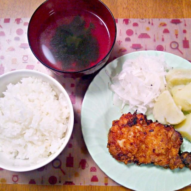 お肉はおばぁちゃんに貰った知床鶏~ - 8件のもぐもぐ - 4月4日 鶏の香味揚げ さっぱり玉ねぎ マッシュポテト わかめスープ by sakuraimoko