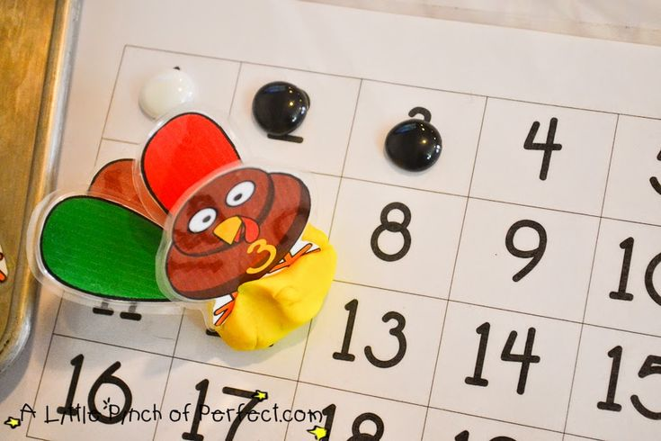 Turkey Feather Count & Sort Playdough Game & Free Printable -