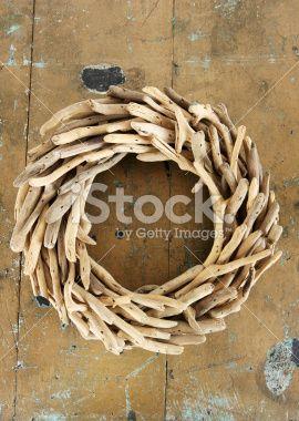 Bois flott couronne florale no l style rustique image for Couronne en bois flotte