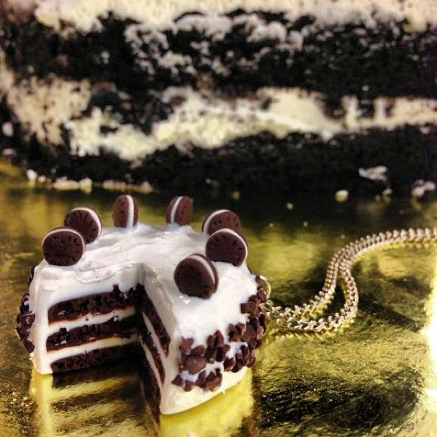 Oreo cake neckless