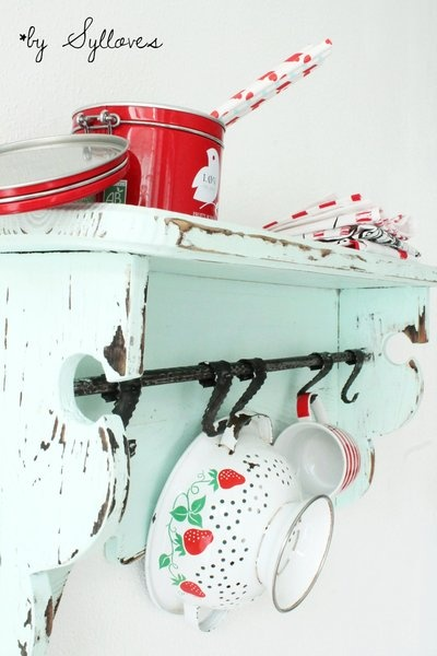Vintage shelf painted mintgreen by Sylloves Baking Tools / Utensilios para Hornear