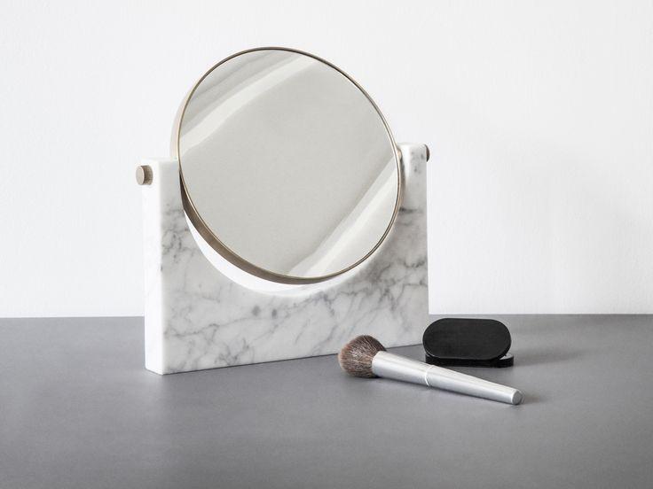 Oltre 25 fantastiche idee su decorare specchi su pinterest - Specchi da decorare ...