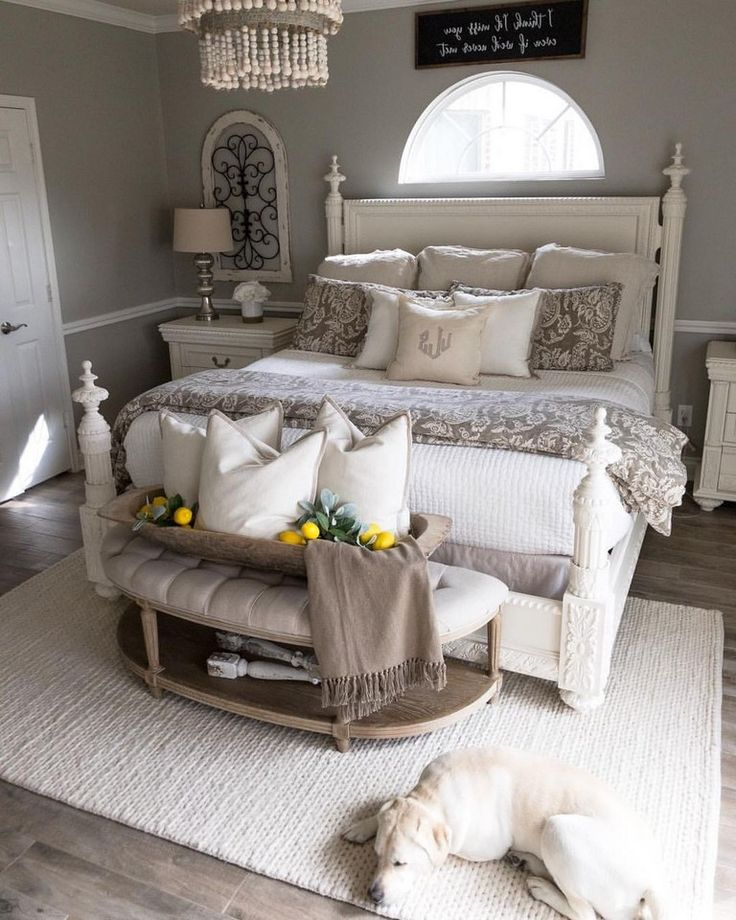 37+ Comfy Farmhouse Master Bedroom Decorating Ideas