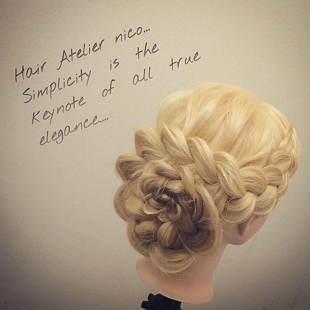 花の編み込み シンプルが可愛い パーティー、ドレスコード、ブライダル! #nico...#hair#hairset#hairarrange#ヘアセット#ヘアアレンジ#結婚式ヘア#撮影#ヘアメイク#オシャレ#編み込み#マニキュア#グラデーション#グラデーションカラー#モデル#ヘアスタイル#ヘアカラー#波巻き#くるりんぱ#ファッション#髪型#アレンジ#instagood#cute#編み込みやり方#アレンジやり方#アレンジ解説#ヘアアレンジ解説