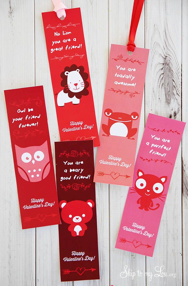 Free printable Valentine bookmarks. Simply print on heavy paper, cut, attach a ribbon, and you are all set for Valentine's Day! #print #valentine skiptomylou.org