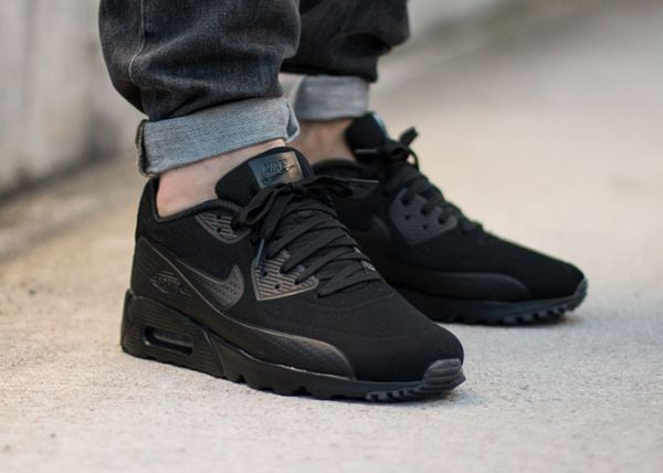 newest 75c21 f41c3 Nike Air Max 90 Ultra Moire Triple Black twitter.com ...