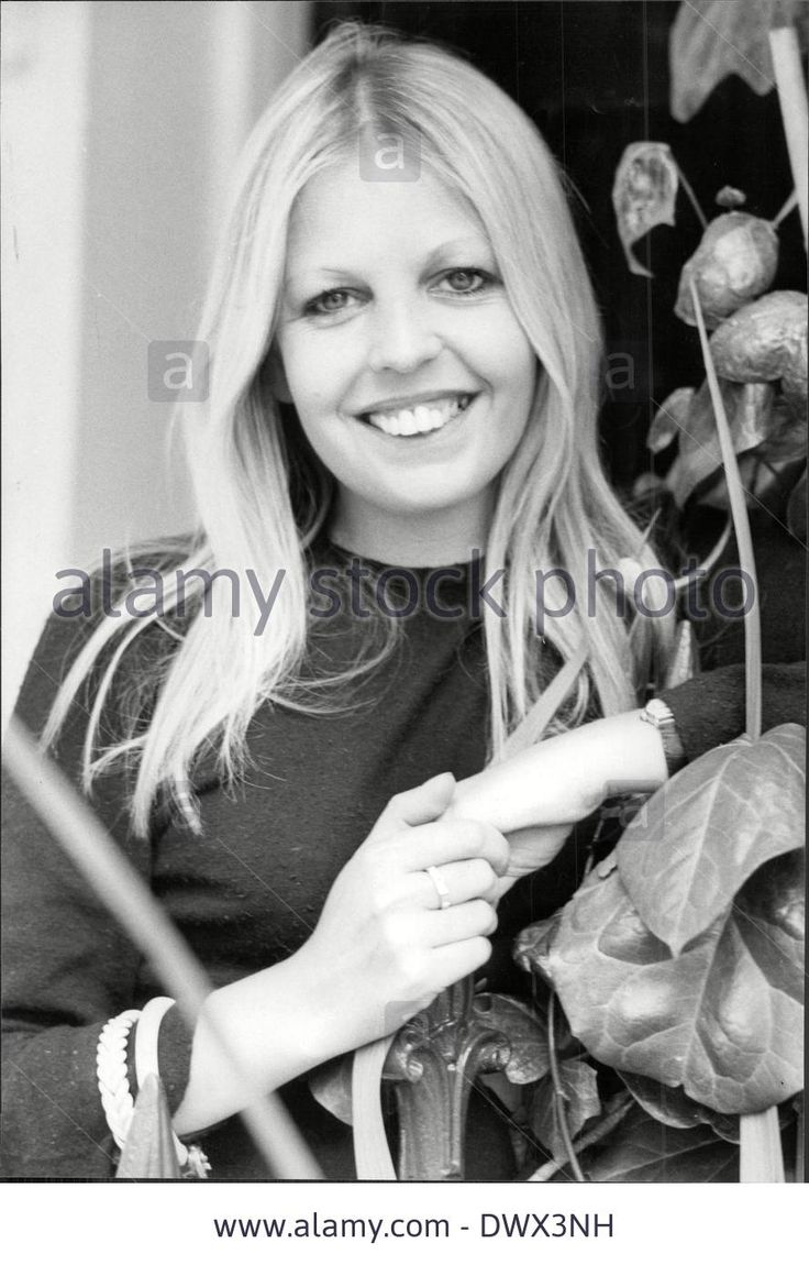 Sally Thomsett naked (88 images) Porno, 2016, braless