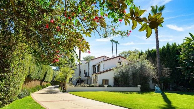 The house was once owned or occupied by silent screen star and Howard Hughes fiance Billie Dove as well as by legendary ...