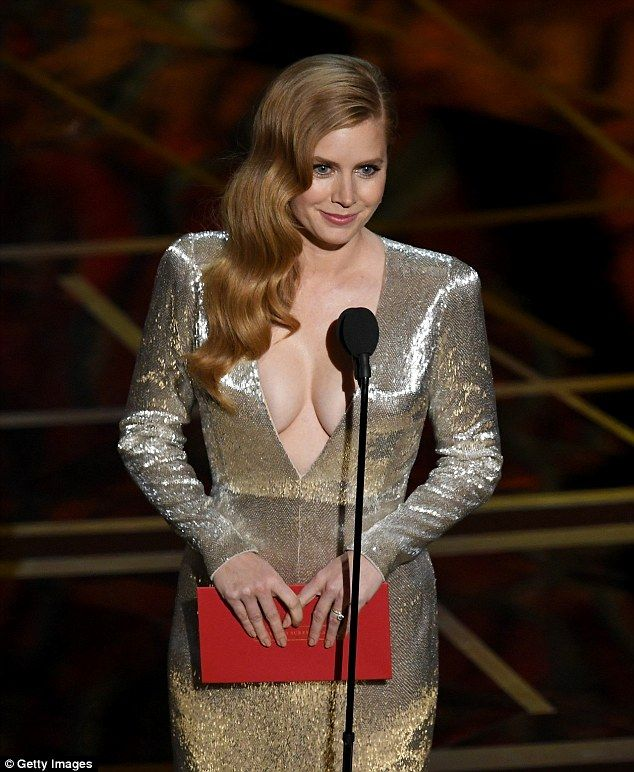 Amy Adams skips Oscars red carpet after Arrival is snubbed #dailymail