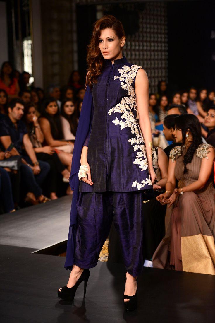 ridhi-mehra-short-kurta-patiala-deep-blue.jpg 1,867×2,800 pixels
