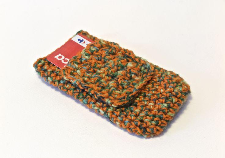 Custodia per smartphone IPhone 6 realizzata in lana melange verde arancio con applicazione di taschina esterna.  Qusta taschina è stata pensata come portatessere di qualunque supermercato oppure per tenere al sicuro il nostro biglietto dell'autobus che non troviamo mai quando serve....
