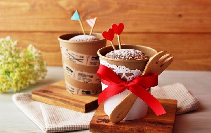 身近な紙コップで作るキュートなシフォンケーキ!今年はチョコ以外のバレンタイン【ぐるなびWEBマガジン】