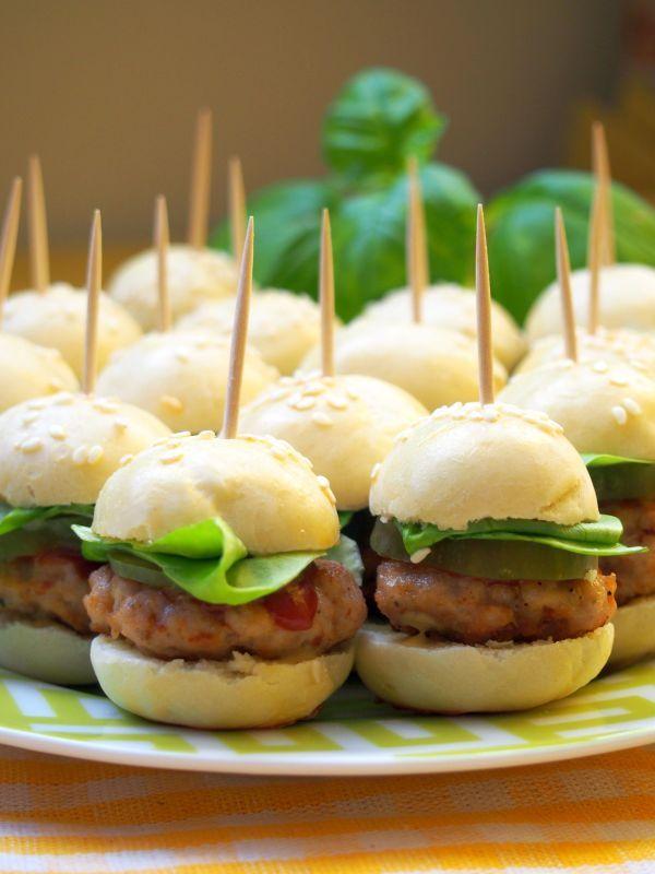 Szefowa w swojej kuchni. ;-): Mini hamburgery - koreczki