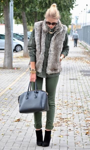 Look: Colete de Pelo + Verde Militar - Moda it | Moda It  Milital + Colete de Pelo Cinza + Skinny Verde + Camisa Verde + Botinha Cano Baixo