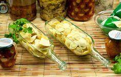 Des bouteilles qui jouent les assiettes, ça détonne sur une belle table. © lucirmas.com
