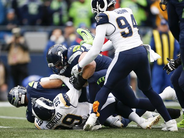 Russell Wilson And Aaron Donald Photos Photos Los Angeles Rams V Seattle Seahawks In 2020 Los Angeles Rams Russell Wilson Doug Baldwin