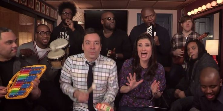 "Idina Menzel got in on the ""Let It Go"" cover craze with a new version of her own. Appearing on ""The Tonight Show,"" she performed the song wi..."