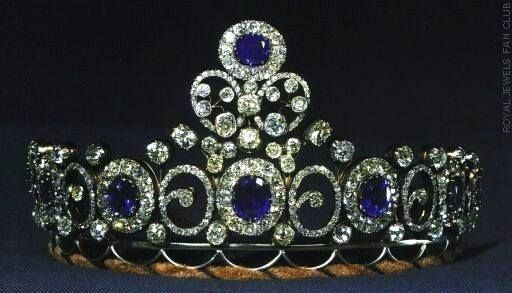 Grand-Duchess Anastasia's Sapphire Necklace/Tiara. The first thing to know is that this sapphire and diamond tiara was originally a necklace, which story started in 1879, when grand-duchess Anastasia Mikhailovna of Russia married grand-duke Friedrich Franz III of Mecklenburg-Schwerin. The necklace came into the Danish royal family when it was left to her elder daughter, Queen Alexandrine, spouse of King Christian X of Denmark.