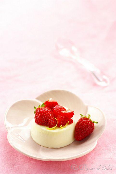 Panna cotta fraises citron huile olive (sans gluten) - Strawberries and lemon panna cotta