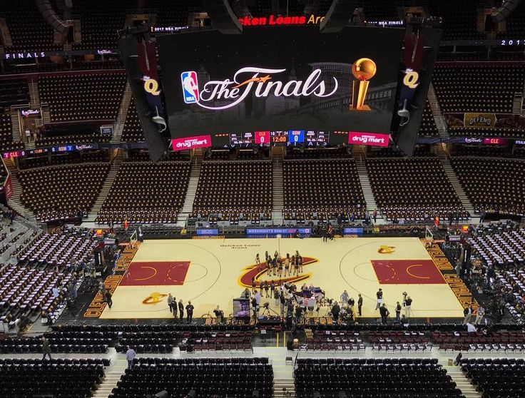 The stage is set for Game 3 of the NBA Finals! Reply with your score prediction.