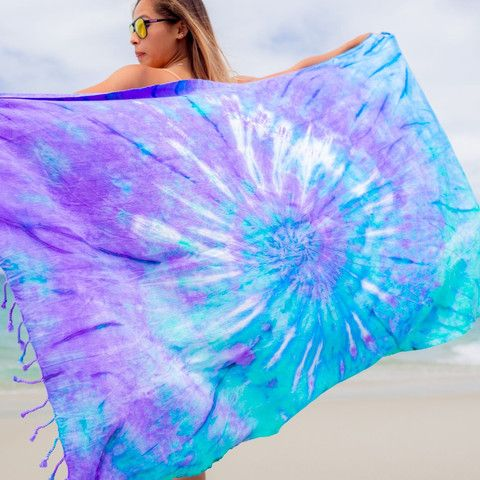 Sand Cloud Tie-Dye - Luna use code: SavannahWi25 for 25% off