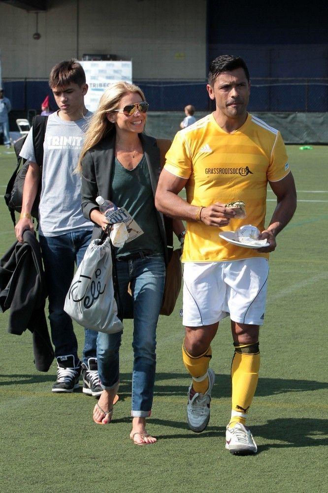Mark Consuelos Photo - Kelly Ripa at the Tribeca Soccer Festival