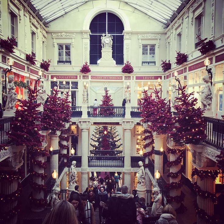 Cher journal, courses de Noël, oui, mais sur les traces de Jacques Demy 🎄🎬 #Nantes