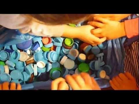 Ιδέες για παιδικές κατασκευές με καπάκια από μπουκάλια! | Happier Kids