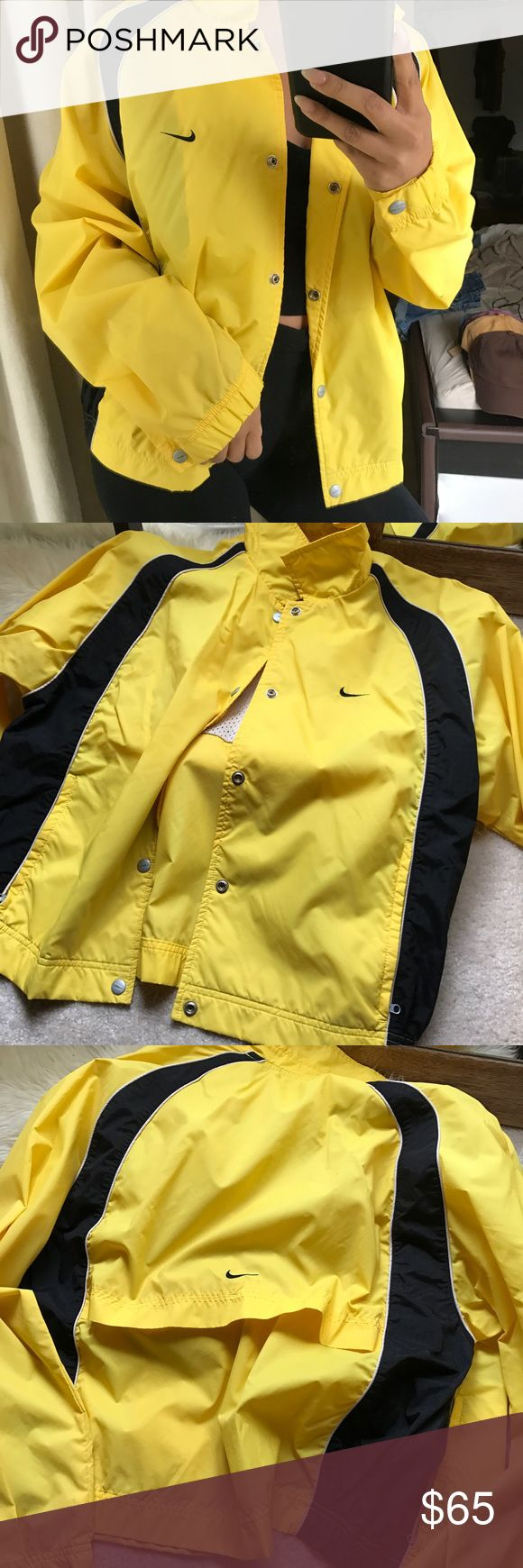 Nike varsity Windbreaker Size large fits like medium . No trading and the price is firm unless bundled or reasonable offer is made. 🖤 Nike Jackets & Coats