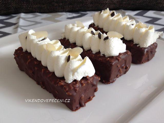 VÍKENDOVÉ PEČENÍ: Čokoládové dortíky s mandlemi