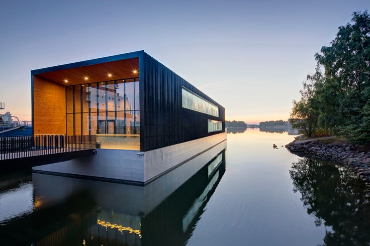There are floating homes - and then there is floating house architecture. The kind of modern homes that wow you on the water, long before you get in the front...