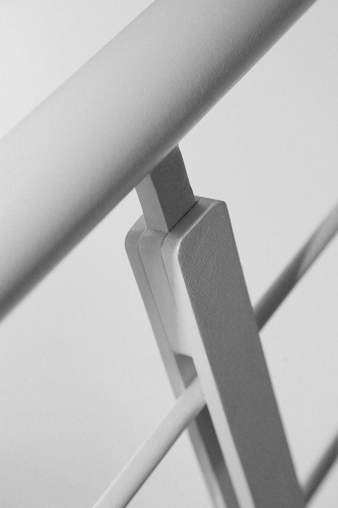 Dettagli strutturali. Ringhiera in metallo.