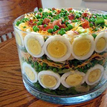 Праздничный салат «Пикантный момент»