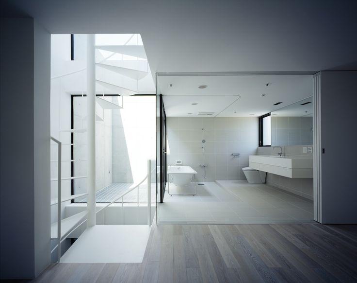 Architects: APOLLO Architects & Associates  Location: Shinjuku, Tokyo, Japan  Structural Engineer: Kenta Masaki  Mechanical Engineer: Zenei Shimada  Area: 124.33 sqm  Year: 2012  Photographs: Masao Nishikawa