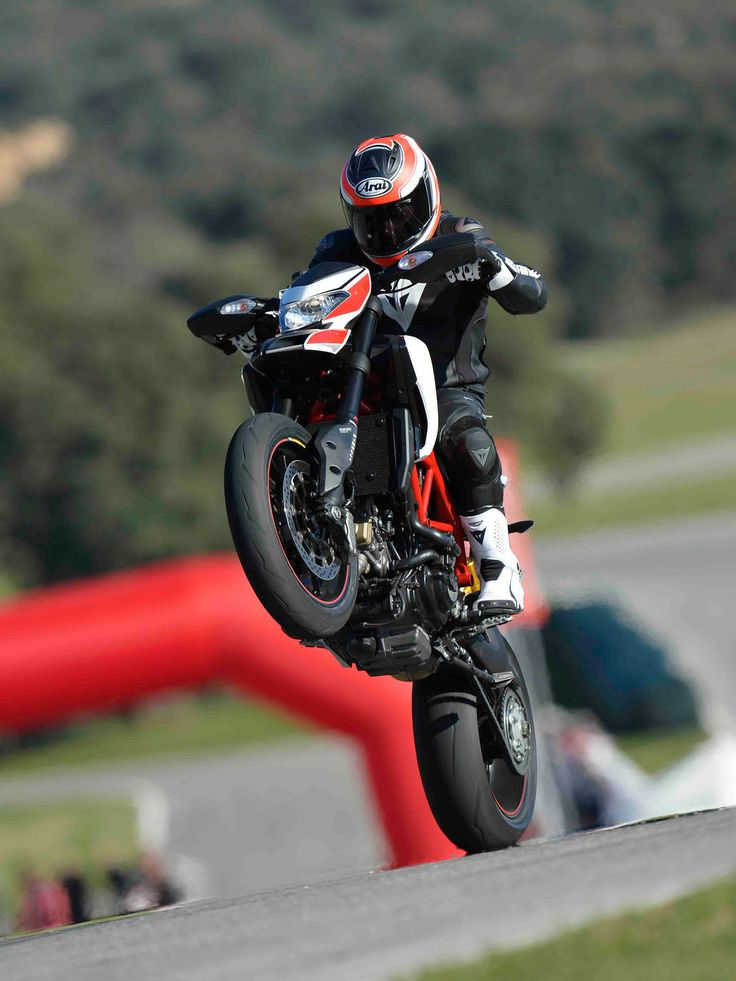 2013 Ducati Hypermotard 821 | First Ride | Motorcyclist magazine