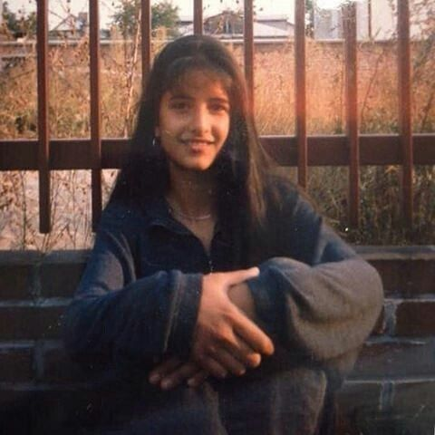 Here's an old pic of Katrina Kaif when she was 12 years old. She was quite a poser. @filmywave  #KatrinaKaif #celebrity #bollywood #actor #actress #star #fashion #fashionista #bollywoodfashion #bollywoodstyle #glamorous #hot #sexy #love #beauty #instalike #instacomment #instafollow #filmywave